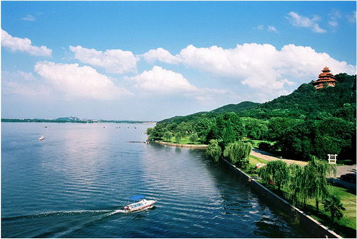 东湖风景区.jpg